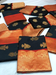 Soft Banarasi Kanchipuram Silk Saree With Pallu Zari