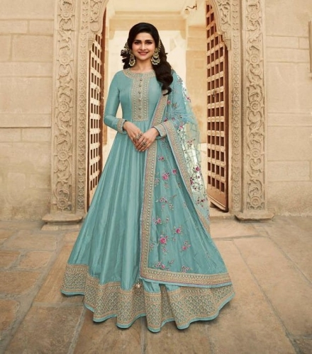 Vinay Kaseesh Parimahal Dola Silk Heavy Suit wholesaler (3).jpeg